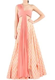 coral-pink-blouse-peach-printed-lehenga