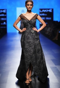 black-lace-gown-with-train