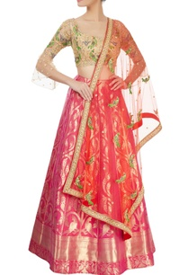 pink-lehenga-with-beige-blouse-dupatta