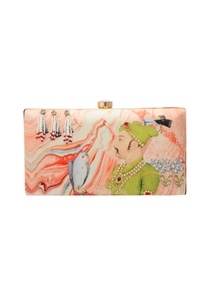 pink-abstract-print-clutch