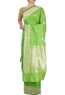 parrot-green-sari-with-blouse-piece