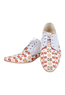 white-floral-printed-shoes
