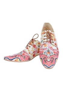 pink-white-floral-printed-shoes