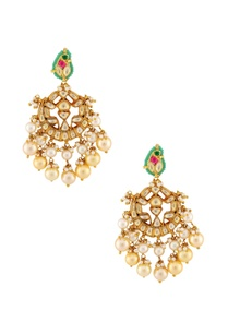 multicolored-stone-with-gold-earrings