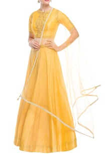 yellow-silk-lehenga-set