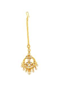 gold-embellished-maangtikka
