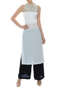 white-kurta-set-with-embroidered-yoke