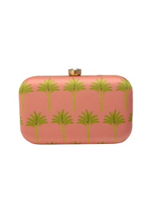 pink-clutch-wit-tree-motif