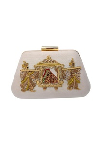white-zardozi-embroidered-clutch