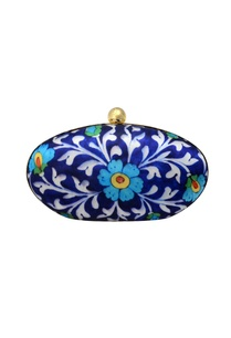 blue-floral-printed-clutch