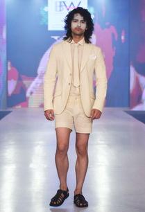 beige-linen-short-pants