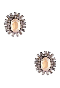 gold-studded-earrings