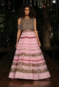 baby-pink-embellished-lehenga-skirt