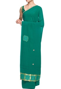 turquoise-sari-with-embellishments