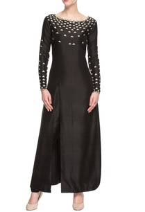 black-kurta-set-with-geometric-motifs