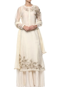 off-white-floral-embroidered-kurta-set