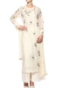 cream-hand-embroidered-kurta-set