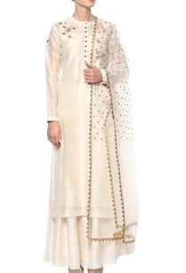 ivory-applique-work-kurta-set