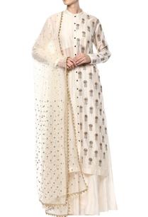off-white-embroidered-kurta-set