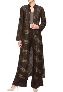 brown-trousers-with-bustier-and-printed-throw-jacket