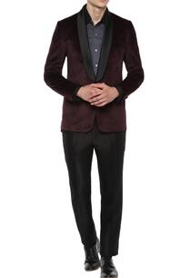 wine-black-tuxedo