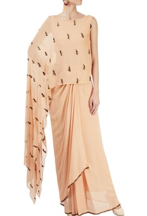 peach-sari-with-one-side-cape
