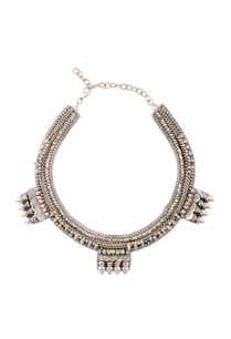 silver-studded-novel-necklace