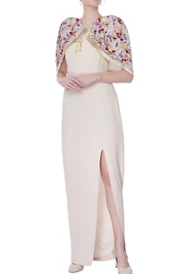 beige-sleevless-gown-with-cape