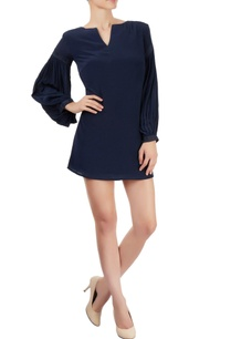 navy-blue-shift-dress-with-gathered-sleeves