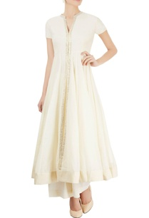 off-white-anarkali-set-with-chikankari-bootas