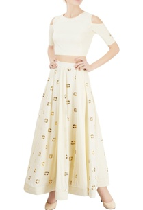 off-white-skirt-set-with-kamdani-work