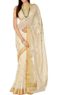 off-white-sari-with-blouse-piece