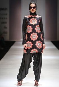 black-applique-work-kurta-with-patiala