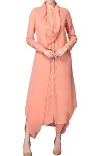 peach-kurta-set-with-sequin-embellishments