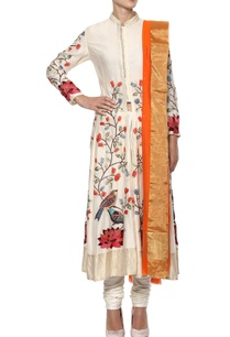 ivory-hand-embroidered-kurta-set