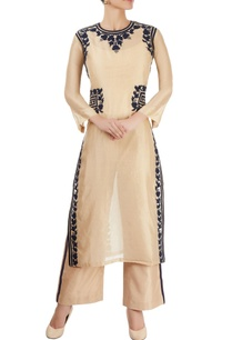 beige-kurta-with-placement-appliques