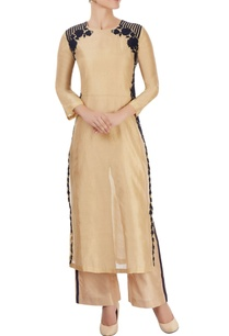 beige-kurta-with-floral-applique