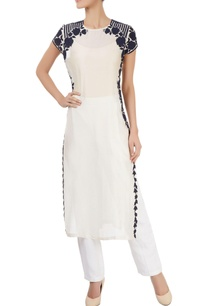 ivory-kurta-with-floral-applique