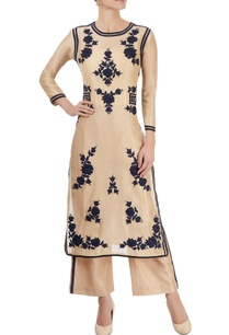 beige-kurta-with-appliques-in-floral-bunches
