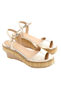 beige-wedges-with-gold-tassels