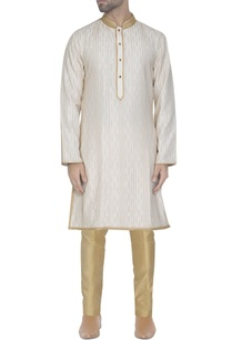 off-white-kurta-with-pearls