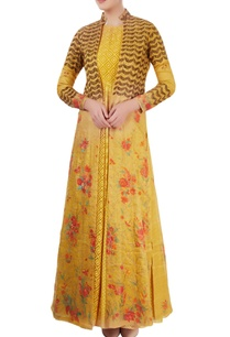 mustard-yellow-embroidered-kurta-set-with-hand-painting