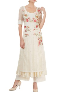 white-kurta-set-with-embroidery