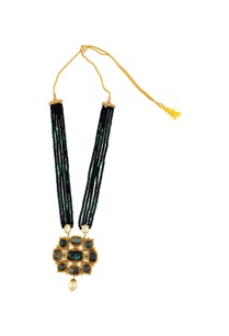 green-beaded-necklace-with-small-green-beads