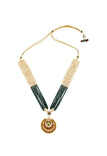 green-white-beaded-necklace-with-pendant