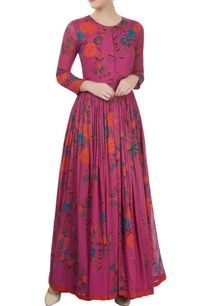 pink-printed-dress-with-a-gathered-waist