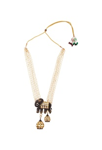 gold-necklace-with-elephant-pendant