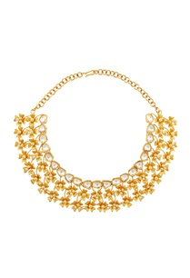 gold-floral-motif-necklace