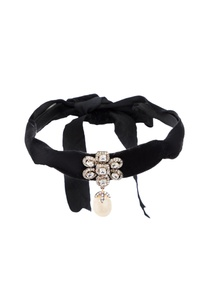 black-choker-with-floral-motif