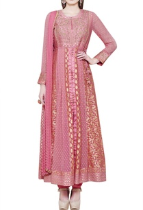 coral-pink-anarkali-set-with-zardozi